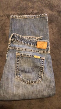 Woman's Levi's low rise boot cut 10 med Oklahoma City, 73118
