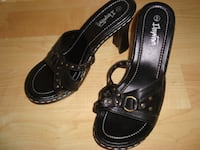 "Black Downtown Shoes, 4 1/2"" heel, size 9 - $15 Mississauga"