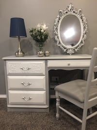 French Provincial Vanity Desk With Chair and Mirror  Bartlett, 60103