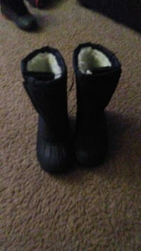 new snow boots Zion, 60099