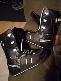 pair of black Ride motocross boots 642 km