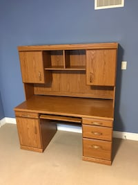 Desk and hutch. SOLD PENDING PICK UP  Aurora, L4G 7T3