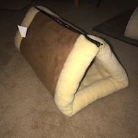 Cat tunnel bed Norfolk, 23503