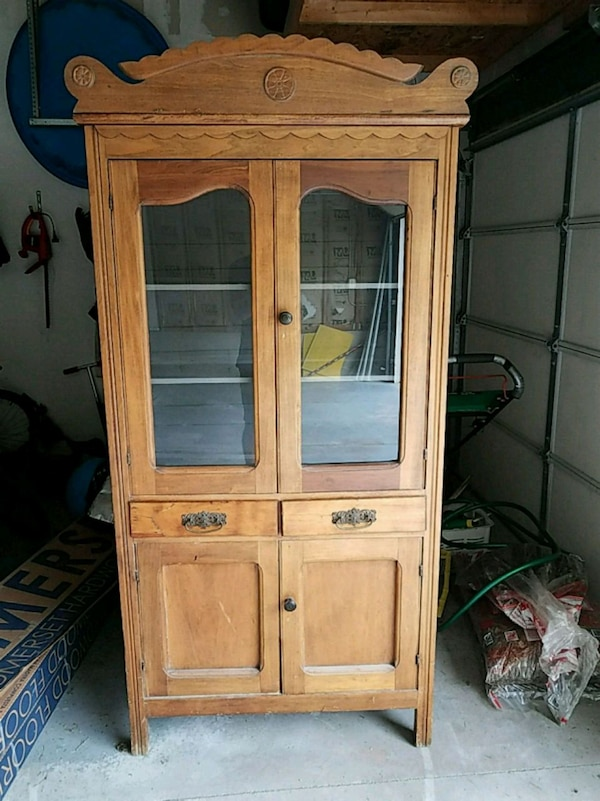 Antique Kitchen Hutch/China Cabinet -late 1800s