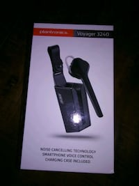 BNIB Plantronics Voyager 3240. Voice control smart phone, .