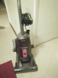 black and gray Bissell upright vacuum cleaner Fort Meade, 33841