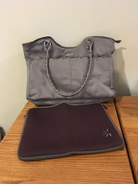 Laptop bag and laptop sleeve