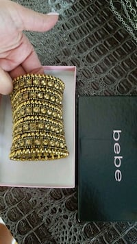 gold-colored Bebe bracelet  Montreal