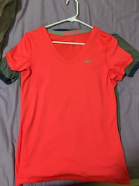 Pink v-neck Nike shirt never worn Pensacola, 32526