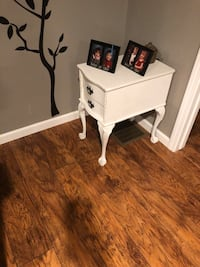 Vintage Night Stand / End Table Danbury, 06811