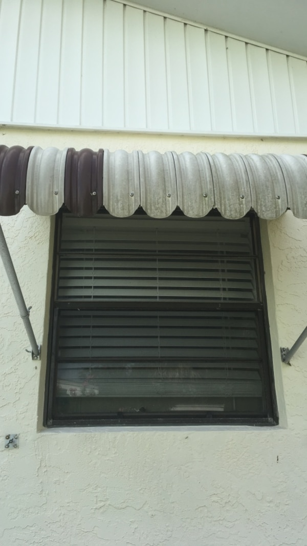 Used Vintage Clamshell Awning For Sale In Jensen Beach Letgo