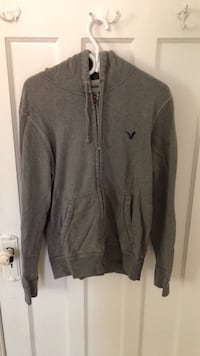 American Eagle Sweater Montreal, H4B 1K8