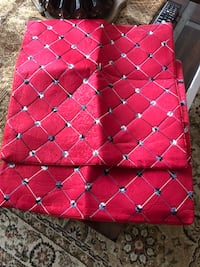 Red cushion covers 2 for 5$ each