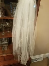 white wedding veil