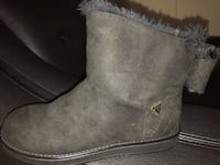 Guess Low cut boots size 6 Toronto, M1T 3P1