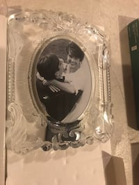 Glass picture frame  Vaughan, L6A 0W2