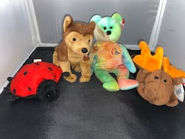 Stuffed animal set