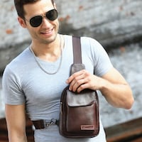 THE BIG GUYS BULL CAPTAIN CASUAL LEATHER CHEST BAG