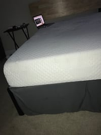 Full size memory foam mattress and frame Hyattsville, 20782