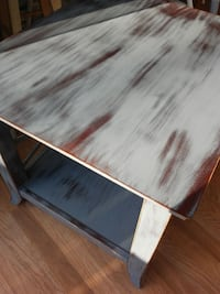 Distressed End Table Inwood, 25428