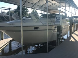 Boat 1998 maxum SCR 3000 low low hours Unbelievable Condition