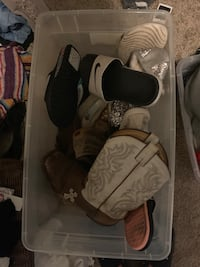 Box of size 10/10.5 women shoes Junction City, 66442