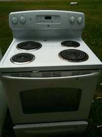 white and black electric coil range oven Huron Charter Township, 48164