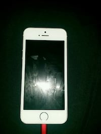 silver iPhone 5s 32g unlocked with case Ottawa, K2P 2C8