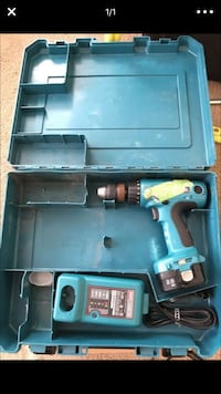 Makita drill 6337d 1 battery, charger, and case. SeaTac, 98188