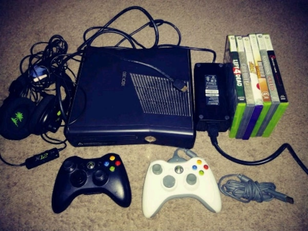 Xbox 360 4GB Matte Black Bundle Model 1439 Tested