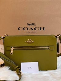 - Coach Gallery File Bag