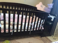 Dark brown 2 in 1 Baby Crib St Catharines, L2P 2B1