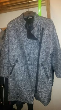 grey and black zip up coat Norsborg, 145 60