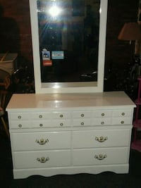 white wooden dresser with mirror $125.  OBO  Upper Tantallon