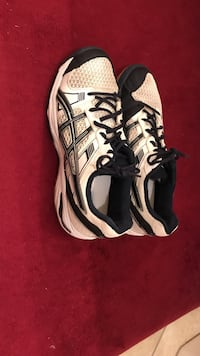 Women's asics volleyball shoes size 11.5