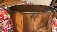 Antique copper pot, excellent for decoration, add flowers Charles Town, 25414
