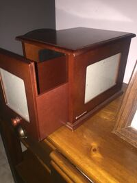 Brown wooden drawer chest Gibbons, T0A 1N0
