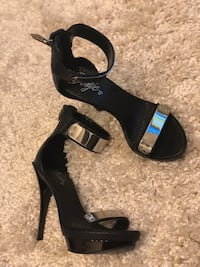 7.5 black heels  Baltimore