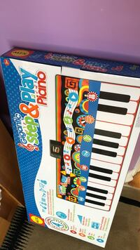 Gigantic Step and Play Piano For Kids Vaughan, L4K 5S6