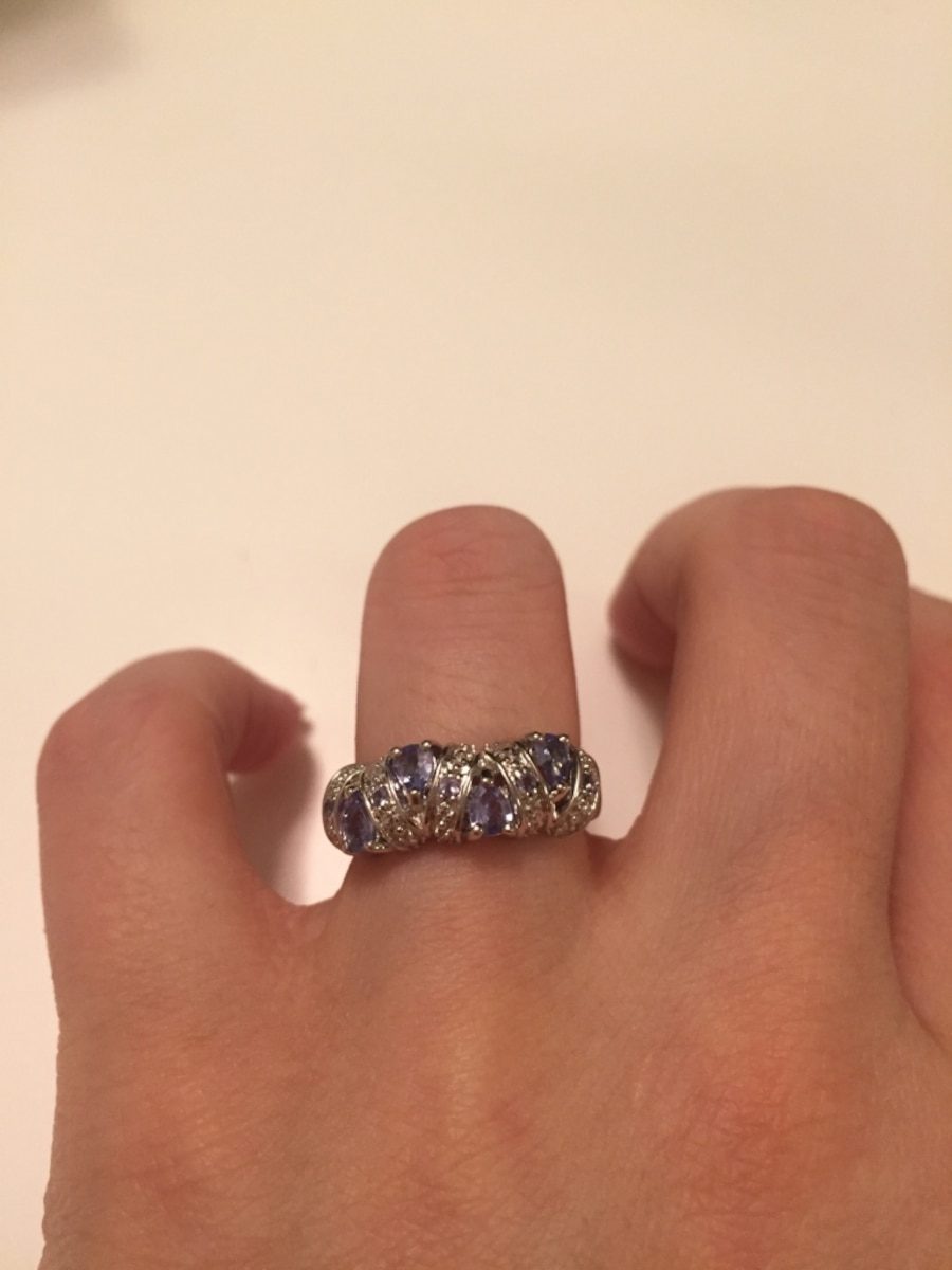 Silver ring in box - PA
