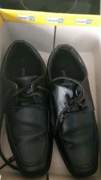 Boys size 1 dress shoes (wore once) Kitchener, N2M 5M9