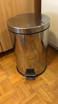 Stainless steel garbage can Ajax, L1S 5X9