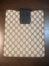 Gray and navy blue gucci leather bag Yonkers, 10703