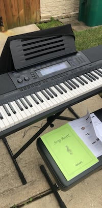 black and white electronic keyboard Pearland, 77581