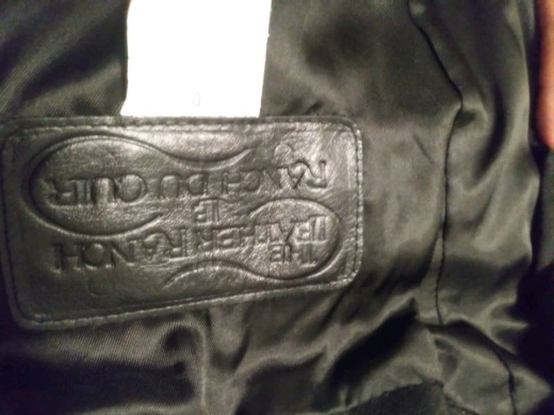 Size 0 woman's leather jacket asking for 500 OBO 1e6f87d2-b063-4a6b-9ff3-af436acae990