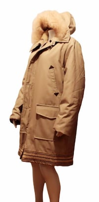 light khaki 3 quarter length winter parka with faux fur hood man's size 40 Calgary