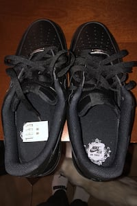 black air force ones, have a crease on right shoe, worn 3 times Toronto, M6M 1N5