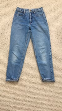 Light wash mom jeans Toronto, M4L 2A2