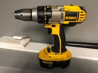 Dewalt 1/2 XRP heavy duty cordless drill plus cordless saw and batteries with charger Edmonton, T5T