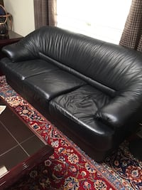 3 sofa , 1 love seat ( Leather ) Richmond Hill